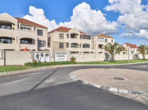 2 Bedroom Flat with Garage and Spacious Braai Stoep! Perfect Opportunity!